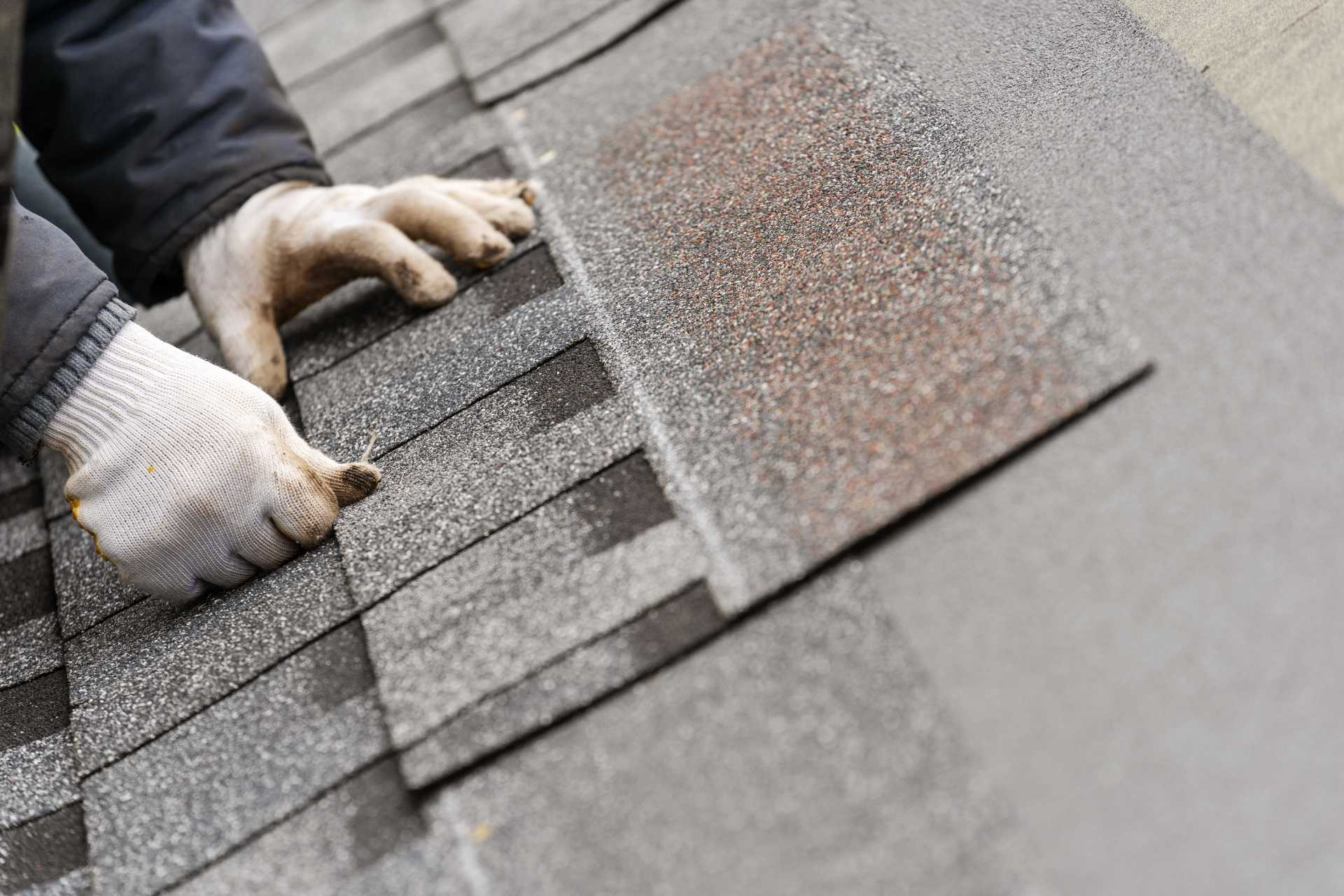 How Your Chosen Roofing Material Affects the Timing of Your Roof Installation in Chicago